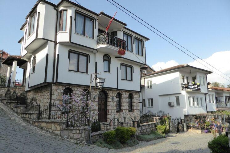 Das Städtchen Ohrid (UNESCO-Weltkulturerbe) überrascht mit seiner liebevoll gepflegten Altstadt.