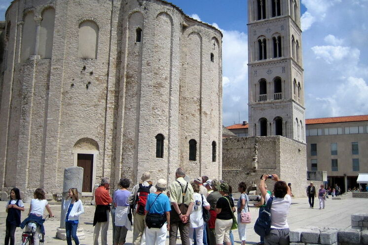 Stadtführung im historischen Zentrum von Zadar (Kirche Sv. Donat 9.Jh)