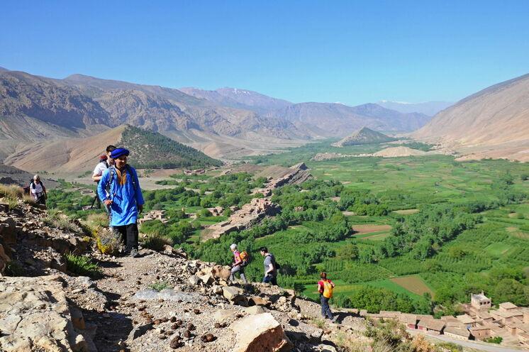Hoher Atlas: Berge, Täler und Berberdörfer bilden eine eindrucksvolle Kulisse. Dies ist Ihre erste Station in Marokko.