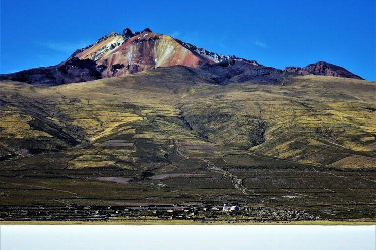 Auch hier erklimmen Sie einen Gipfel, den farbenprächtigen Vulkan Tunupa (5150 m)