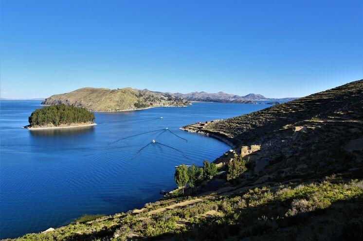 Zum Abschluss Entspannen am tiefblauen Titicacasee