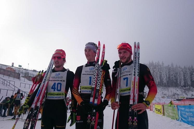 Die drei Erstplatzierten beim 15 km FT beim 40. Rennsteig-Ski-Marthon 2017.