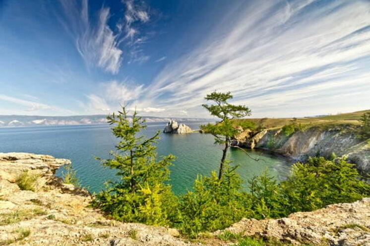 Grandiose Wolkenspiele am Baikal - wenn man sommerliches Glück hat.