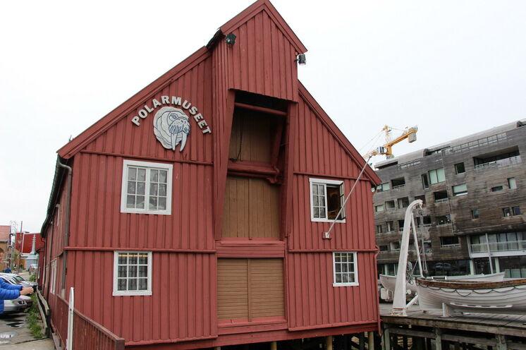 ...nicht fehlen darf dabei das sehr interessante Polar Museum. Unser deutschsprachiger Stadtguide führt auch durch das Museum mit vielen Storys aus der Zeit der arktischen Entdecker.