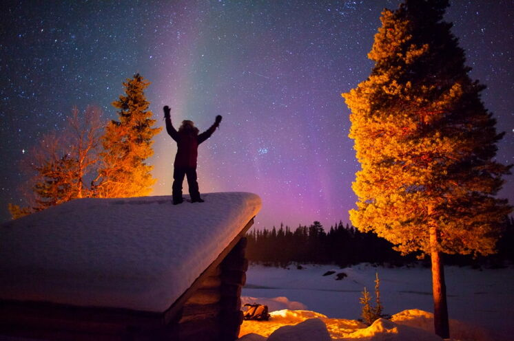 Und wenn es die Polarlichter gibt, freut sich jeder wie der Schneekönig!