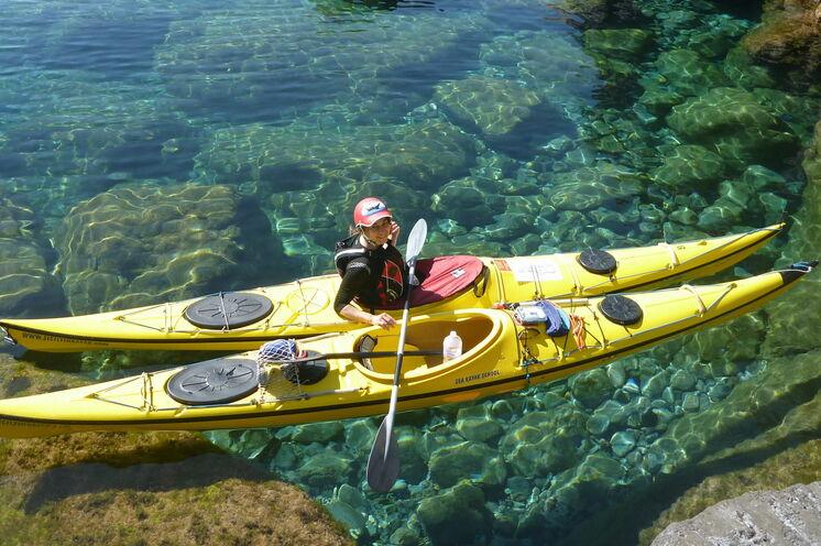 Spannende Seekajaktour entlang der Küste der Liparischen Insel Vulcano