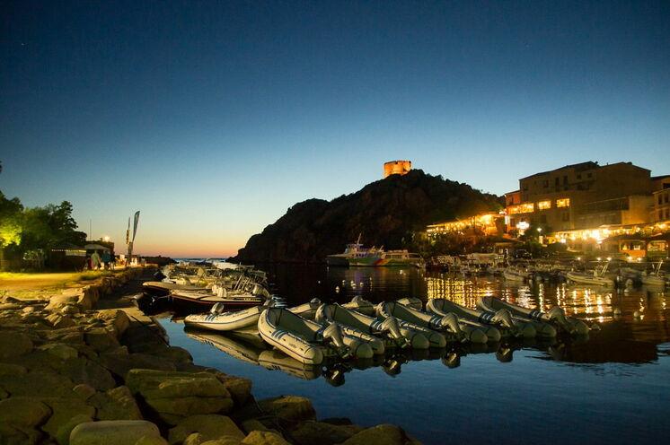 Mediterranes Flair im Hafen von Porto, wo sich unweit Ihr zweiter Standort der Reise befindet.