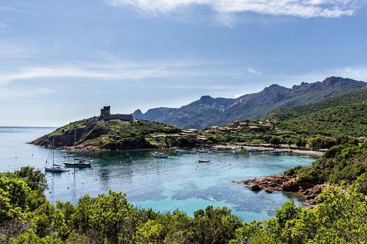 Das malerische Dorf Girolata ist nur zu Fuß oder per Boot erreichbar