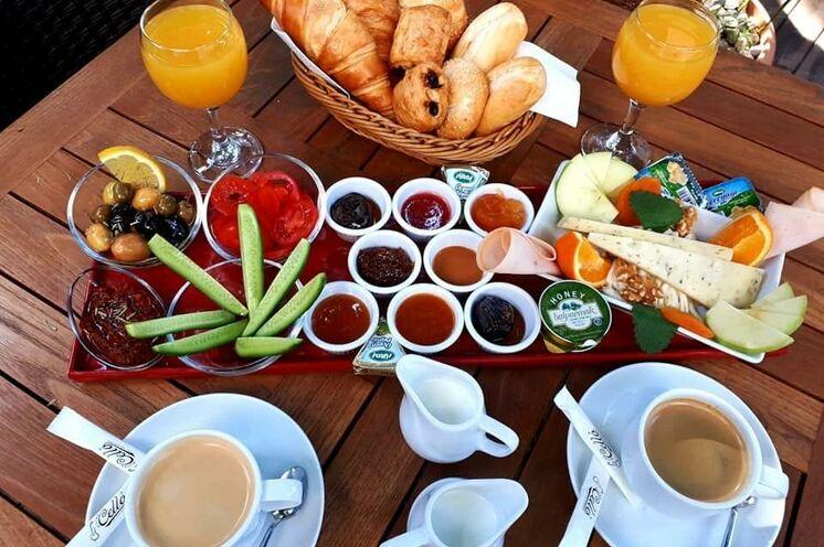 Ihr Start in den Tag! Mehmet überrascht Sie jeden Tag mit neuen kulinarischen Kreationen.