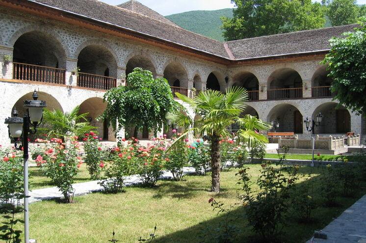 Aserbaidschan. Wie aus 1001 Nacht, die Karawanserei in Scheki (4. Tag)