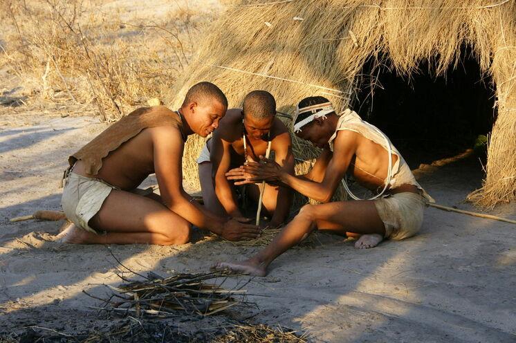 Bei den San-Bushmen in der Kalahari (12. Tag) ...