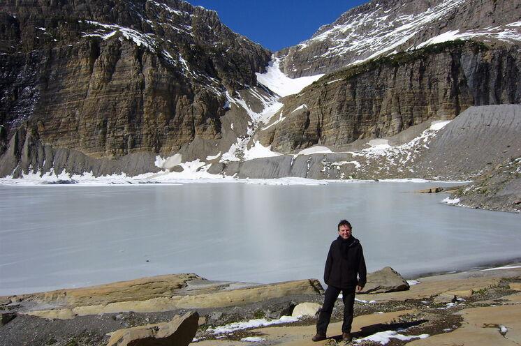 Reiseleiter Martin zeigt Ihnen gern den Grinnell Glacier...
