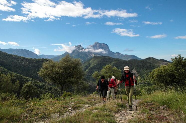 Wandern mit Panoramablick auf den Pena Montanesa
