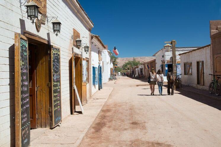 Zeitreise: Vom Trubel der Hauptstadt fliegen Sie in die Wüstenstadt San Pedro de Atacama