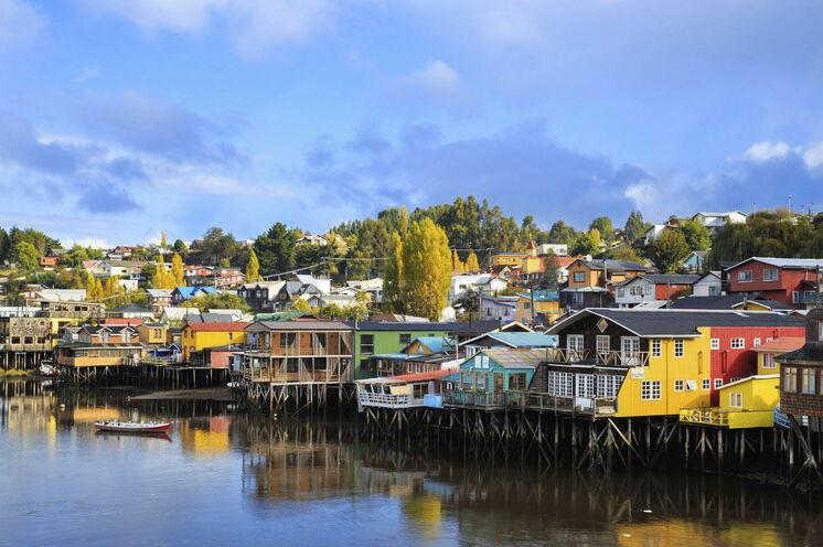Mit der Fähre geht es auf die magische Insel Chiloe