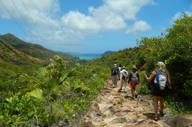 Küstenwanderung zum Anse Major auf der Insel Mahé
