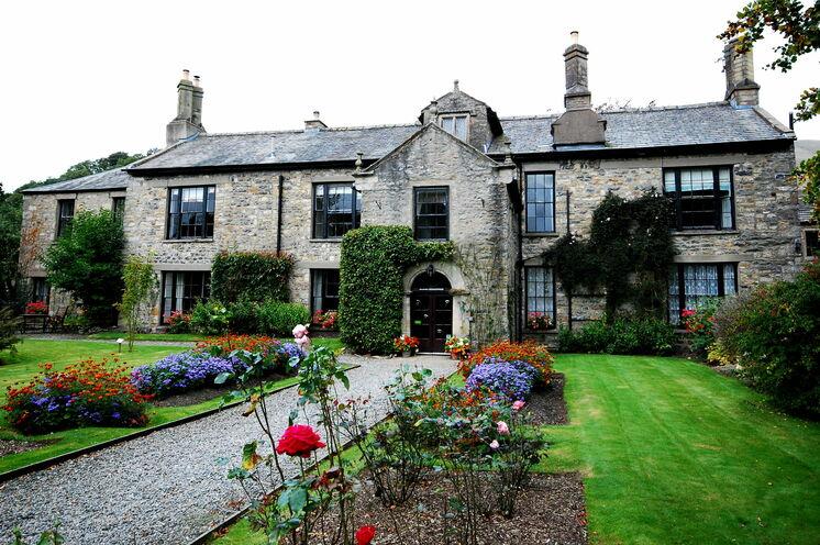 Traumhafte englische Gärten und Herrenhäuser gilt es zu entdecken