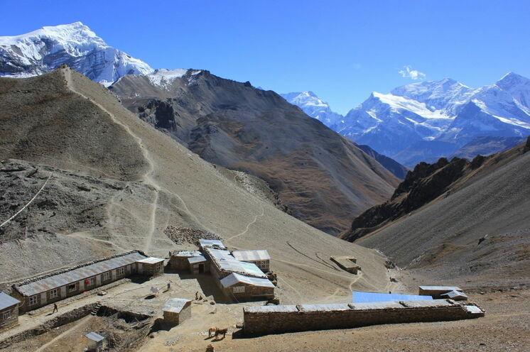 Das High Camp (4.925 m ü.d.M.) Hier werden Sie die letzte Nacht vor dem Höhepunkt der Tour, der Überschreitung des Thorung La Passes, übernachten.