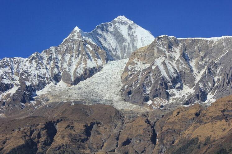 Dhaulagiri (8167 m) und dessen Gletscher