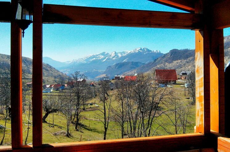 Ausblick von Ihrer Pension auf das Dorf Umoljani