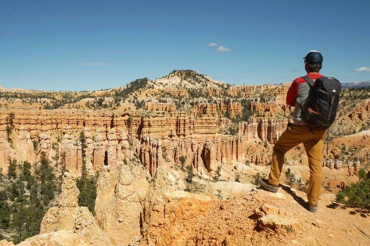 """""""Wunderland"""" Bryce Canyon: ein Meer aus Felsnadeln, Zinnen und Türmen erkunden Sie zu Fuß"""