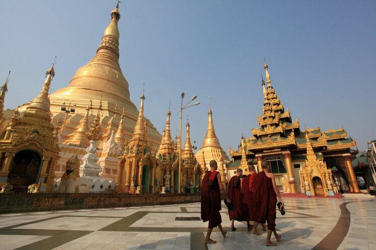 Buddhistischer Wallfahrtsort Shwedagon Pagode Yangon