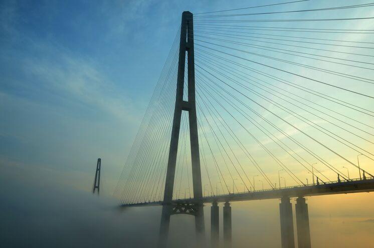 Russkij Brücke