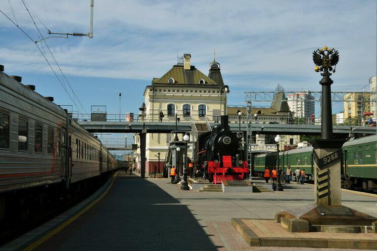 Am Bahnhof in Wladiwostok - Endstation der über 9000 km langen Transsib!