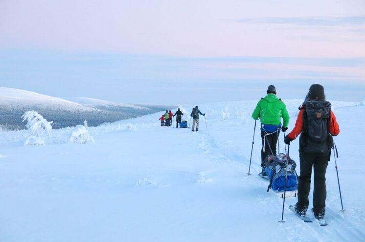 Mit Ski und Pulka unterwegs im Nationalpark Lemmenjoki