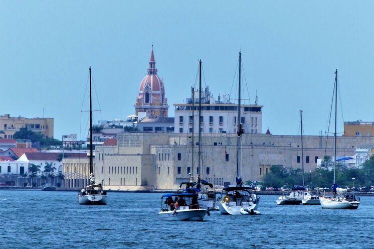 """Ankunft mit dem Segelboot in Cartagena, die """"Perle der Karibik"""""""