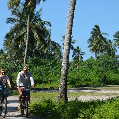 Reisebaustein oder Gruppenreise: Mit dem Fahrrad zum Strand – Inselumrundung auf Sansibar