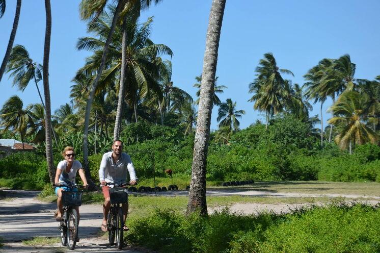 Eine Fahrrad-Tour auf Sansibar ist der ideale Urlaub - aktiv, genussvoll und erholsam.