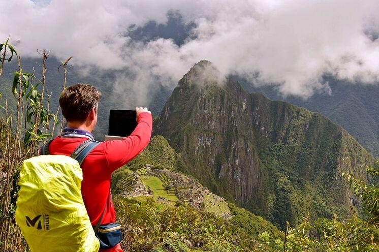 Oben angelangt auf dem Montana Picchu lohnt die faszinierende Vogelperspektive