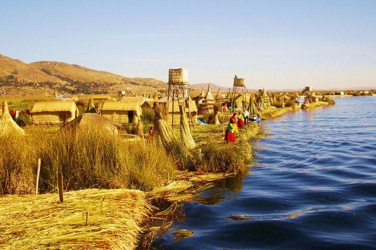 Peru ist erreicht - Besuch der Uros auf ihren schwimmenden Schilfinseln