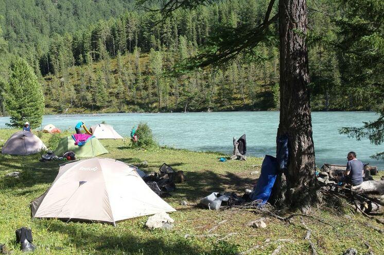 Die letzte der ingesamt 10 Zeltnächte verbringen Sie am Fluss Kutscherla.