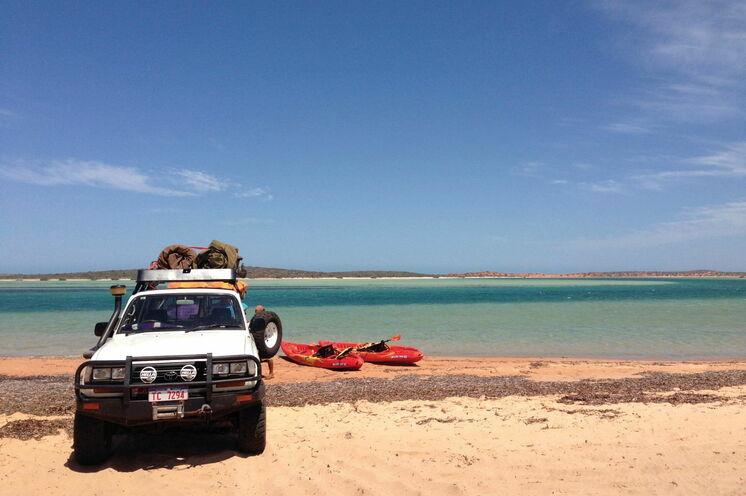 Westaustraliens feine Sandstrände laden zu Wassersport-Aktivitäten ein (© Tourism Australia)