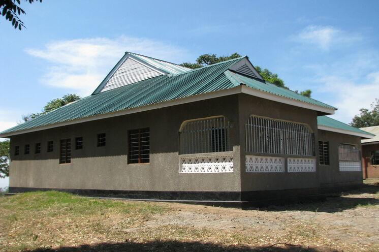 2013, 10. Februar: Übergabe Dorfgemeinschaftszentrum Nambala nach 5 Jahren Bauzeit
