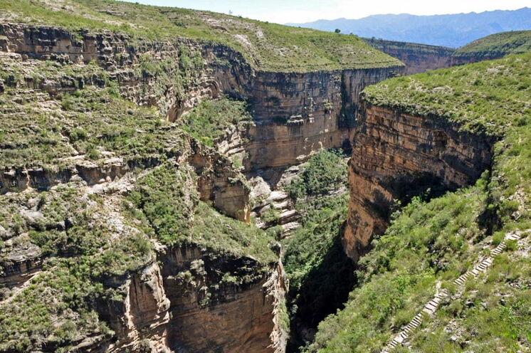Am 5. Tag wandern Sie zum Aussichtspunkt über den Toro Toro Canyon