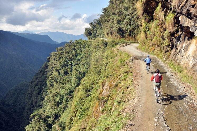 """Abfahrt auf der berühmten """"Todesstraße"""" von la Paz bis Coroico."""