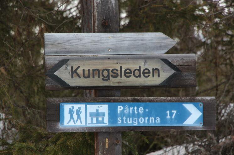 Wer mit Jokkmokk nichts verbinden kann, dem ist bestimmt der Kungsleden ein Begriff. Nur wenige Kilometer vor diesem Wanderweg ist die Wendeschleife für den Skimarathon...