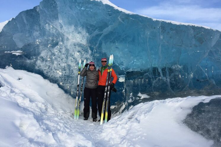 Heike und Andreas Luck (Sport Luck Oberhof) 2017 am Ziel ihrer Spitzbergen-Träume nach einer Expedition mit Ski und Pulka (arrangieren wir exklusiv für kleine Gruppen).