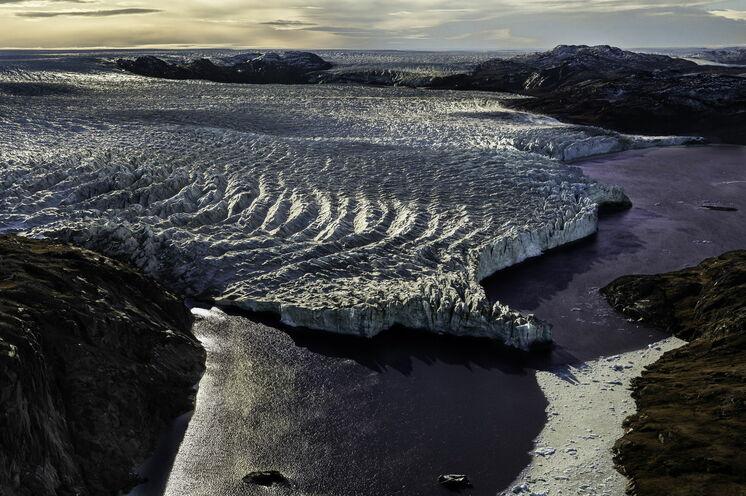 ...das Grönländische Inlandeis am Eisbergsee Iluliartoq.