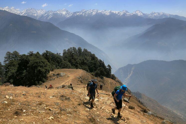 Sie beginnen im Mittelgebirge Ihre Tour. So können Sie sich ideal und langsam an die Höhe anpassen.