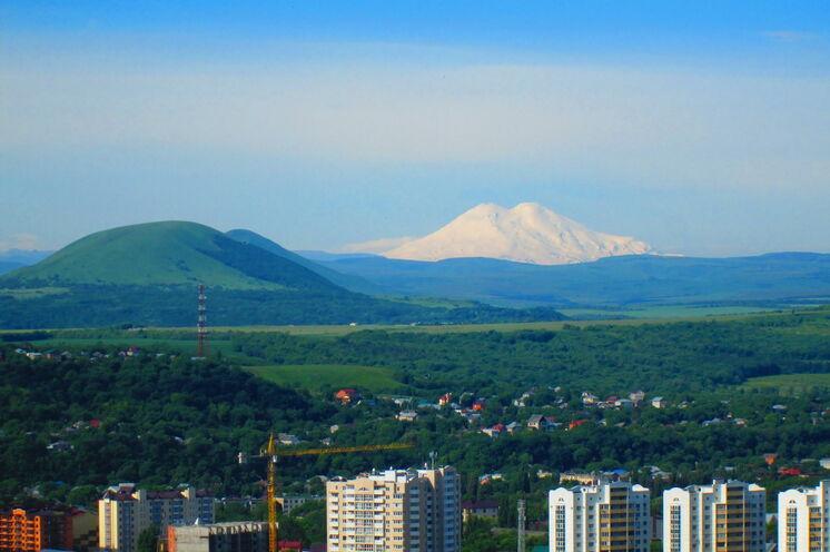 Blick vom Hotel in Pjatigorsk auf den Elbrus