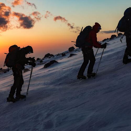 Kaukasus – Elbrus: Auf den Spuren der Erstbesteiger über die Nordroute