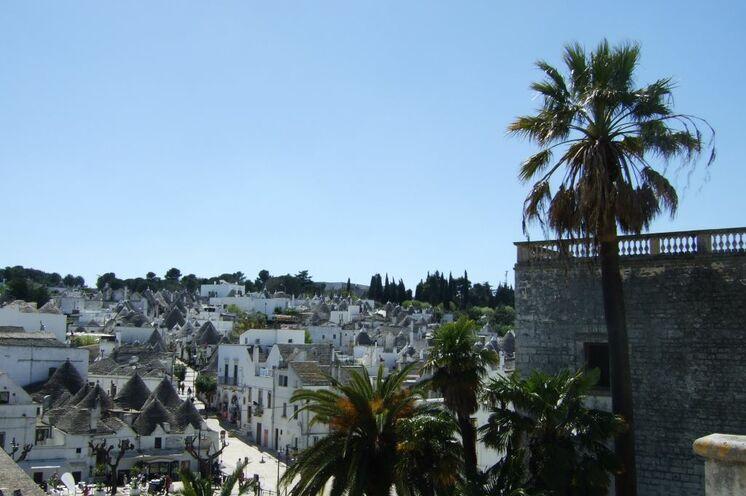 Blick auf die Dächer von Alberobello