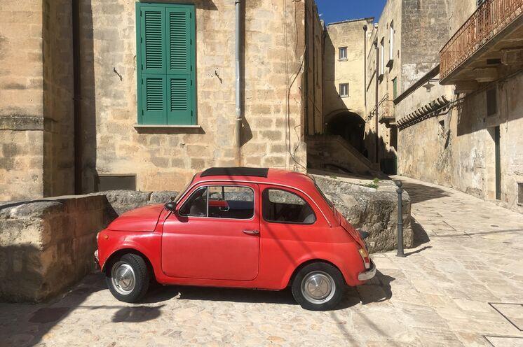 Eine italienische Ikone wie diese kann Ihnen beim Stadtspaziergang jederzeit begegnen