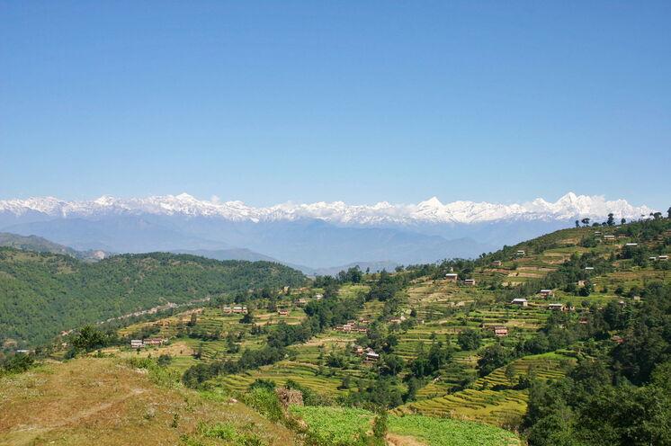 Bei leichten Wanderungen können Sie mit etwas Glück ein großartiges Himalayapanorama genießen.