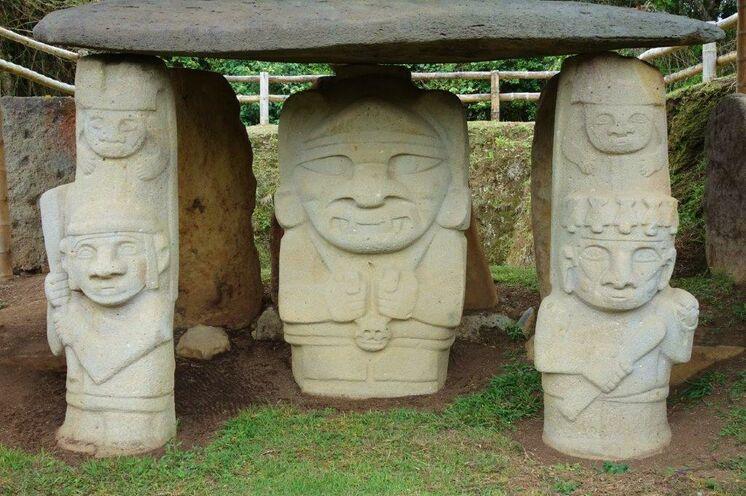 Geheimnisvolle Statuen von San Augustín