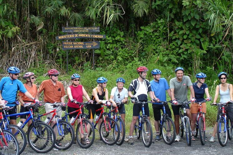 Sportlich erkunden Sie in kleiner Gruppe das facettenreiche Costa Rica. Ein qualifizierter Fahrradguide und ein Begleitfahrzeug sind stets dabei